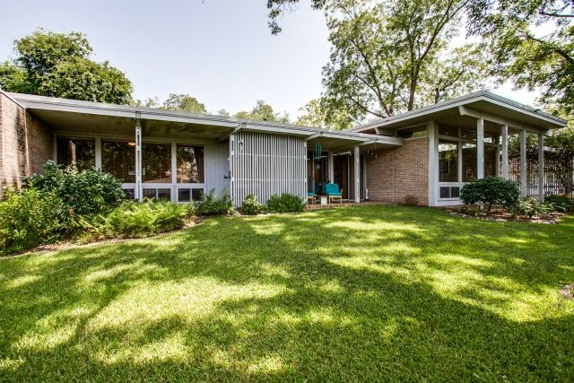 Mid century home in mineola tx built in 1950 designed for Cost to build mid century modern home