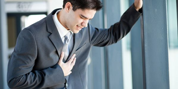 PÂNICO - muitas pessoas já experimentaram pelo menos uma vez em suas vidas, um ataque de pânico, o horrível momento em que por alguns segundos, tem-se a sensação de morrer. Os sintomas podem ser diferentes e vários: tremor, asfixia, taquicardia, medo de enlouquecer ou de desmaiar, suor quente, calafrios e outros.