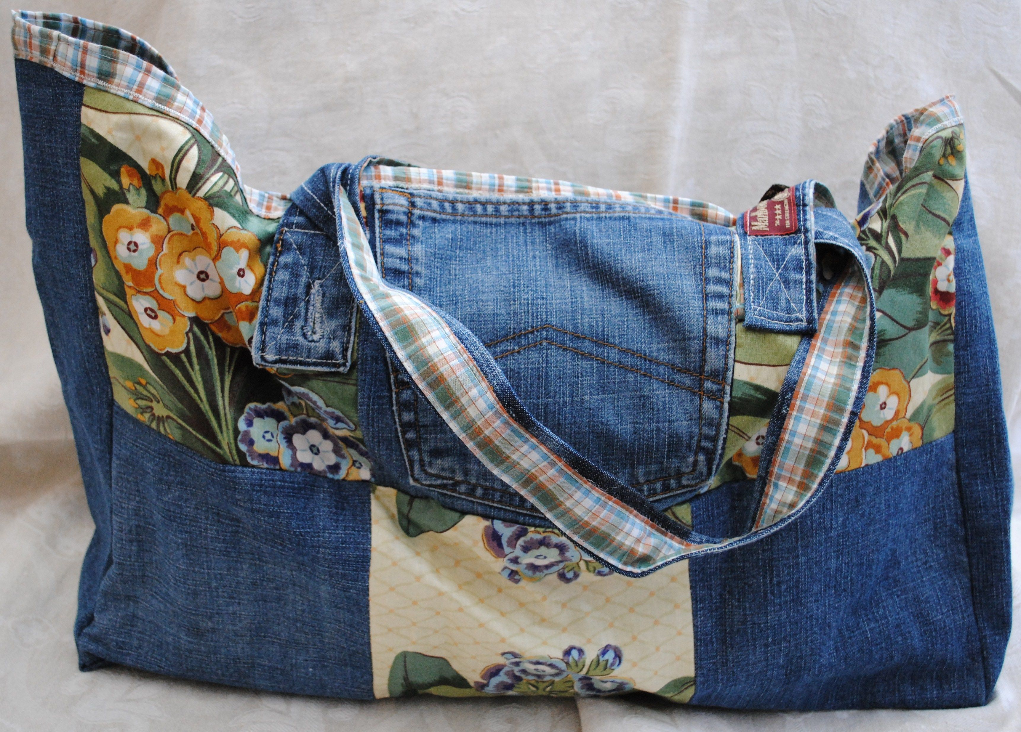 Denim Patchwork Bag, used an old mens shirt for the lining. Adorable ...