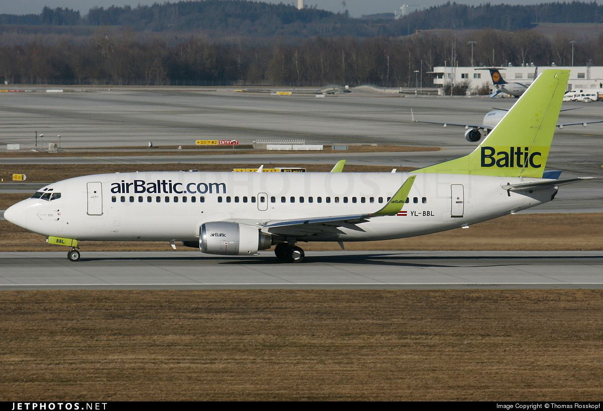 airBaltic Boeing 737-33V (registered YL-BBL) during landing rollout at München-Franz Josef Strauß International Airport (EDDM)