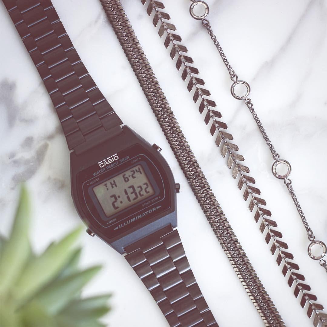 O Relógio Vintage Preto Da Casio Com As Nossas Pulseiras No Tom Grafite Insta Shop Link Na Bio Relógio Vintage Relogio Casio Preto Relogio Cassio Vintage