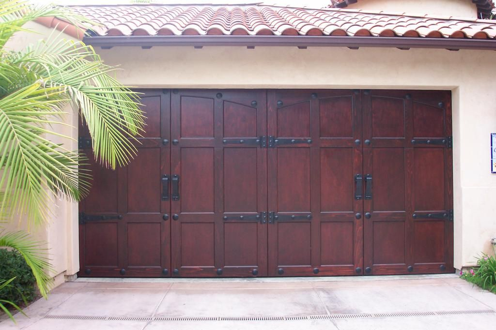 Beautiful Garage Gilbert Garage Door Repair Provided By Arizona Garage Doors And Repair Garage Doors Wooden Garage Doors Garage Door Design
