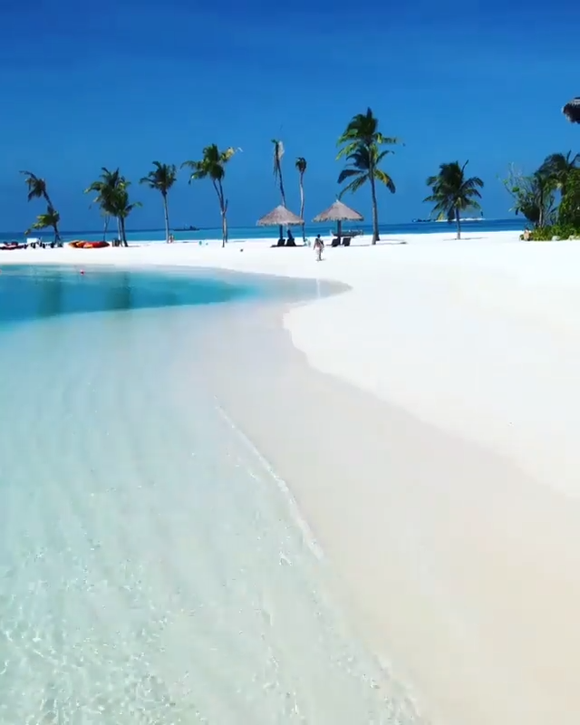 Paradise on earth 💙 Maldives 🌴