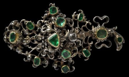 Gold & Silver Brooch with Large  Emeralds & Diamonds, Spanish Colonial or Spain, 18th century