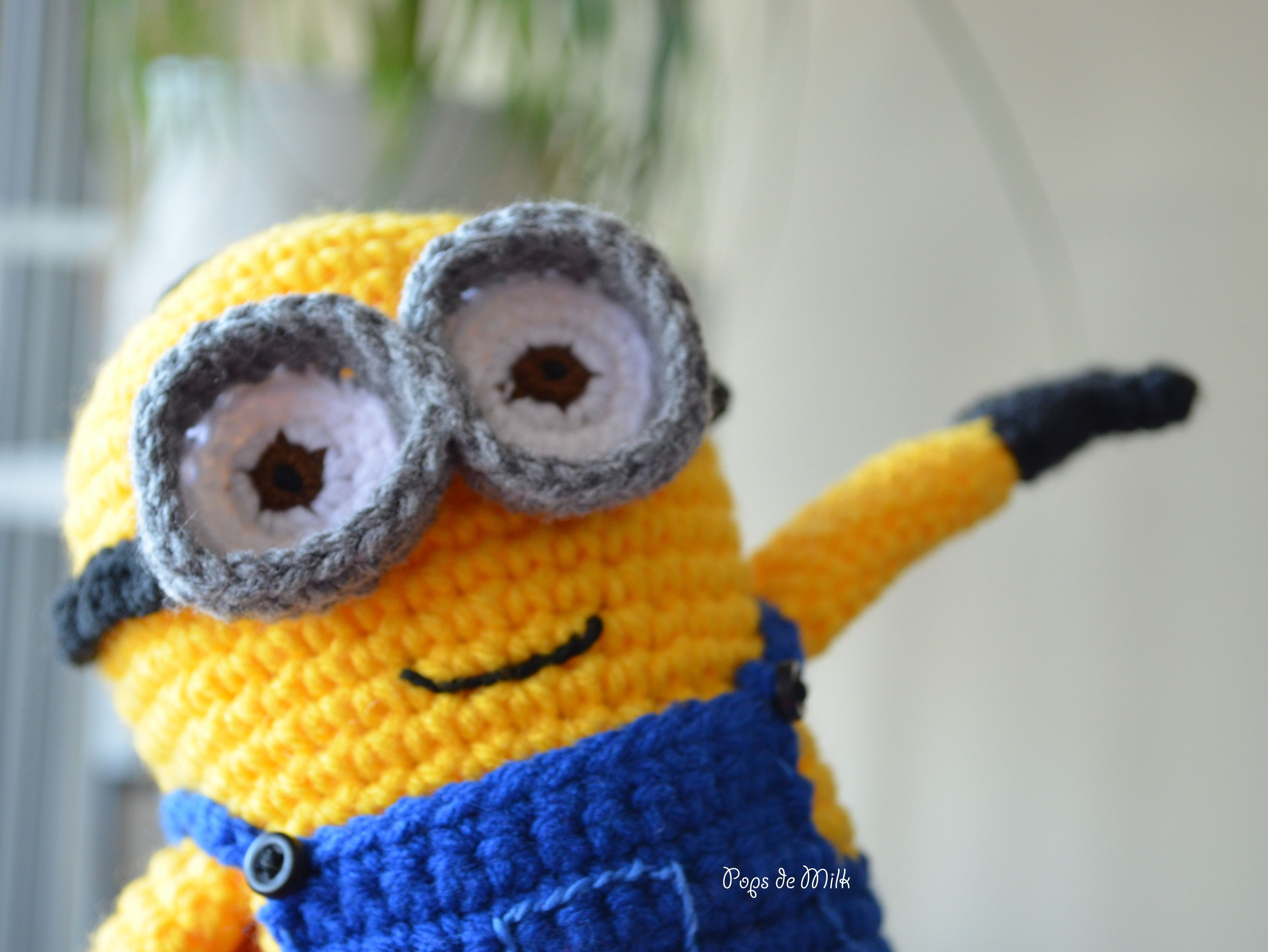 Dave the Minion Crochet Pattern #minioncrochetpatterns Dave the Minion in air - Pops de Milk #minioncrochetpatterns Dave the Minion Crochet Pattern #minioncrochetpatterns Dave the Minion in air - Pops de Milk #minioncrochetpatterns