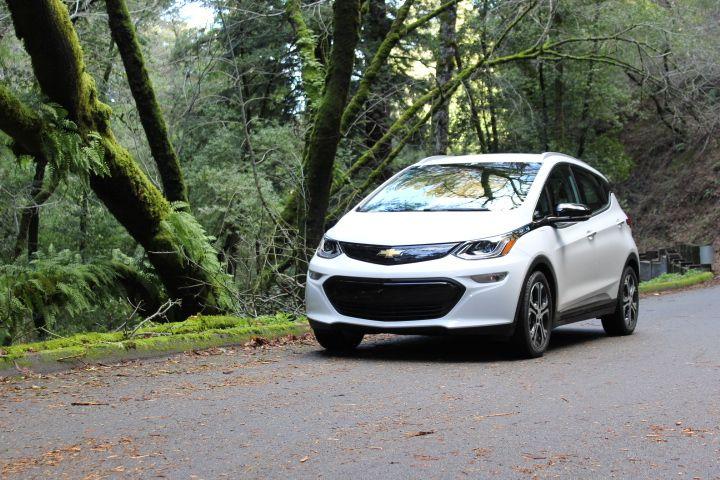 silicon valley s nuro enters self driving delivery niche evs