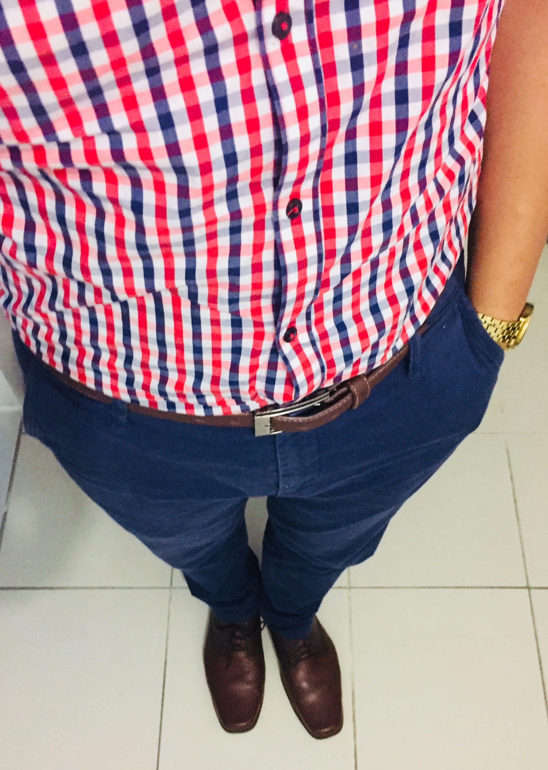 fecha de lanzamiento: ventas especiales mitad de descuento Camisa a cuadros azul, roja y blanca, pantalón azul ...
