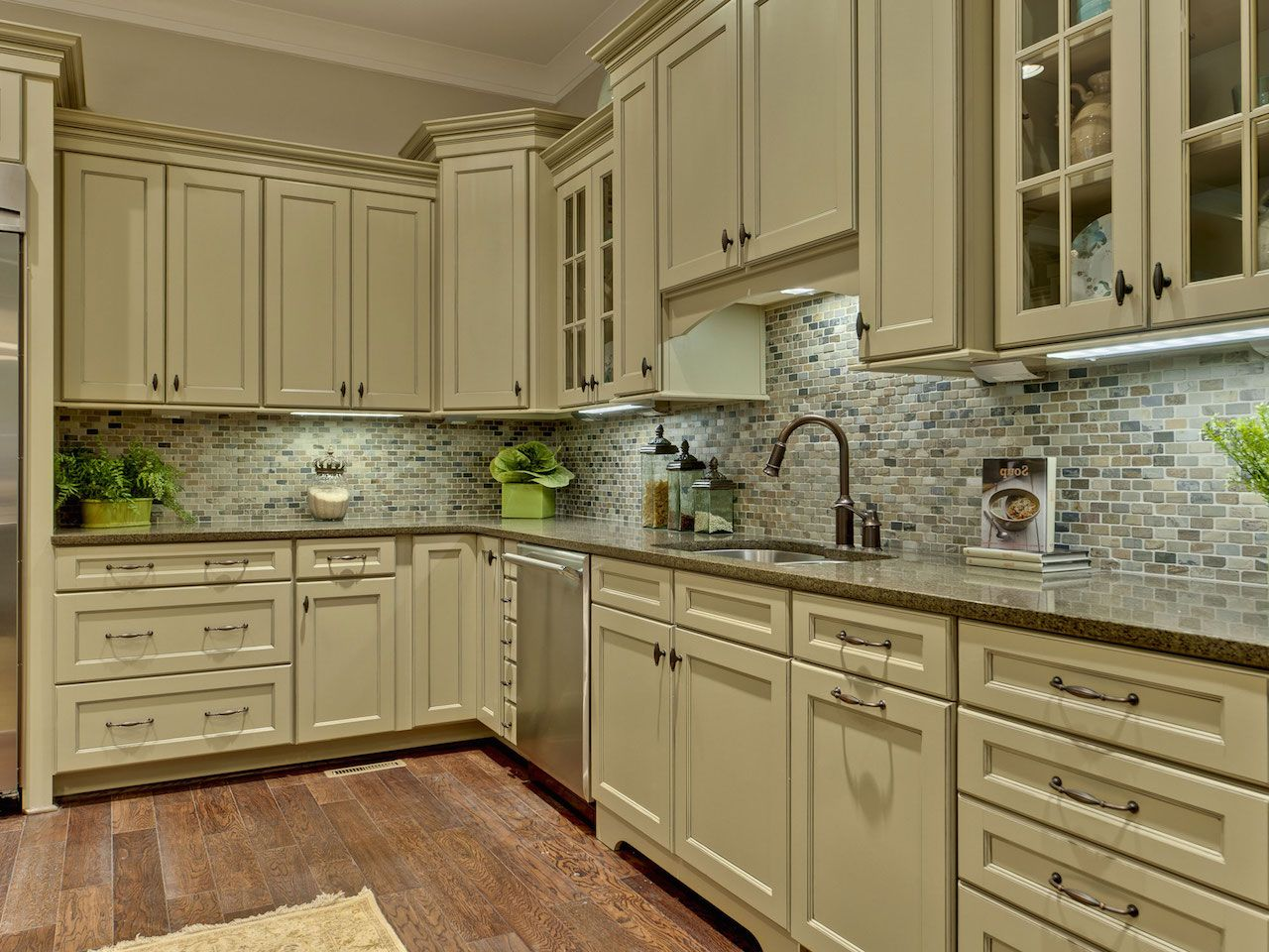 Decor Tips Repaint Kitchen Cabinets With Self Leveling Paint For Painting Kitchen Cabinets And S Beige Kitchen Green Kitchen Cabinets Kitchen Cabinet Design