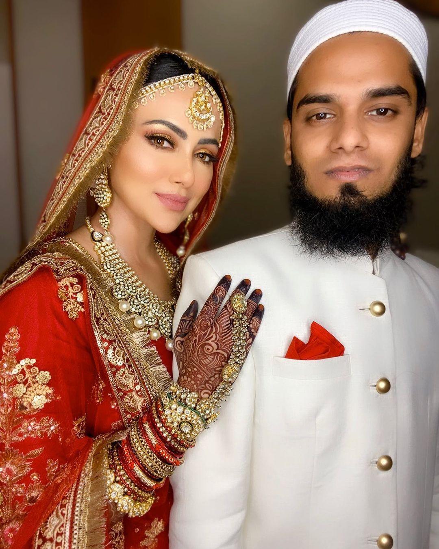 Sana Khan on her Wedding day with husband Anas Saiyed