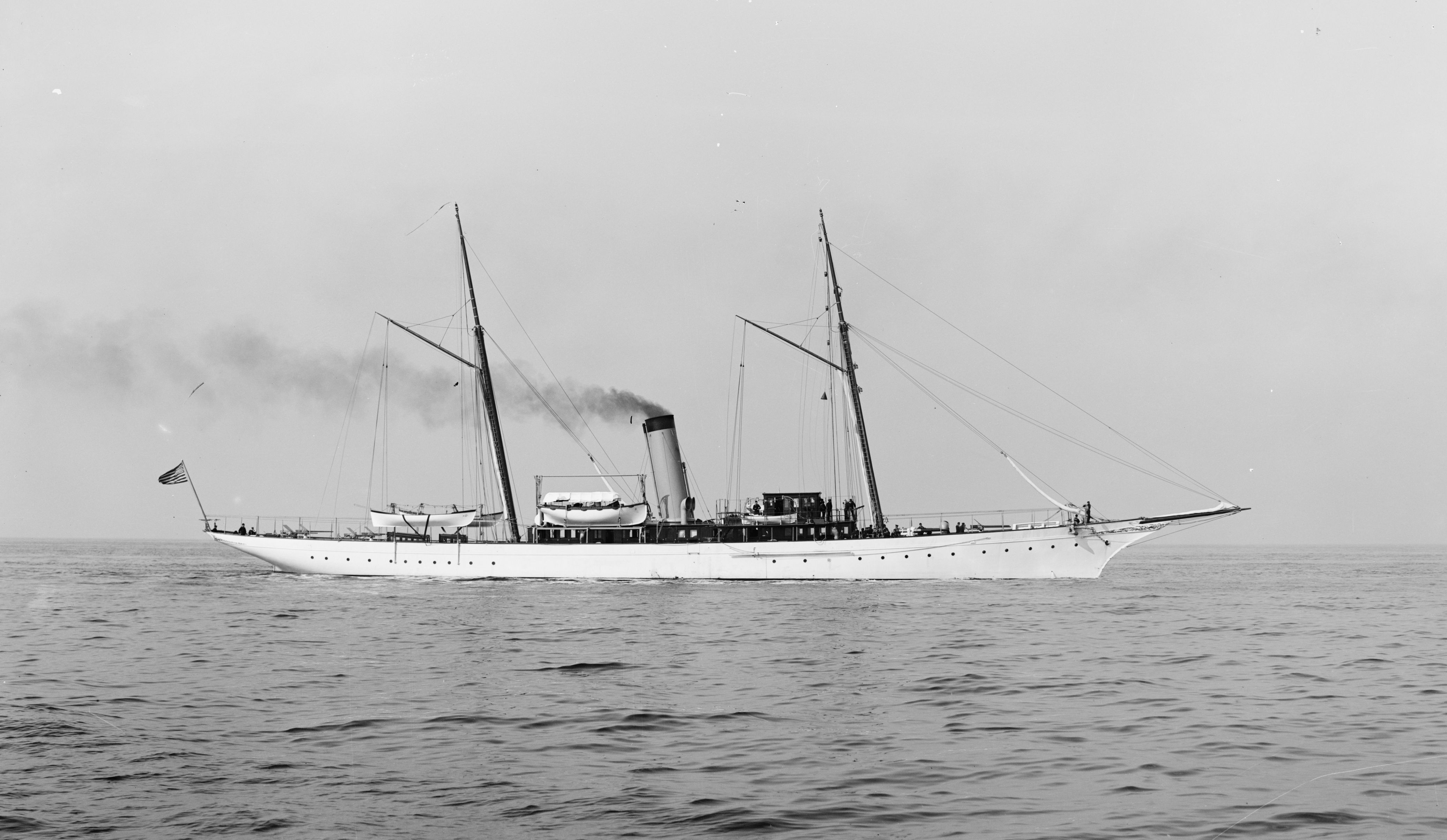 The beautiful armed yacht USS Scorpion  She had 4 6-pounders on