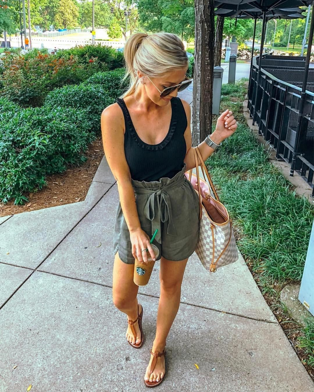 Photo of That casual date night look �� My fave jeans and a $12 bodysuit – now someon…
