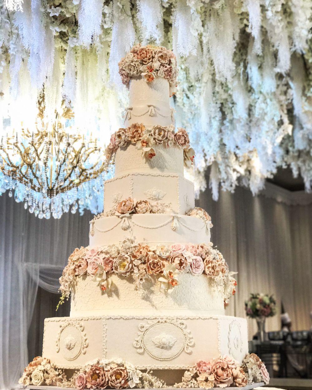 Foto Kue Pernikahan Oleh Lenovelle Cake Kue Perkawinan Kue Pengantin Unik Pernikahan