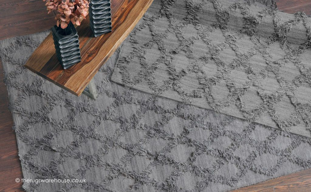 Jucar Grey Rug A Luxury Hand Woven Wool With Fringe Like Design