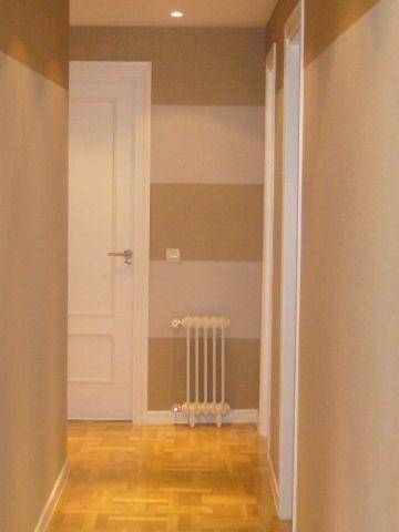 Entrada decoraci n pinterest pasillos papel pintado - Pasillos pintados a rayas ...
