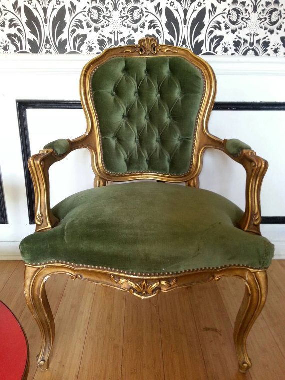 37 X 25 X 21 Stunning Arm Chairs Pair Antique In Emerald