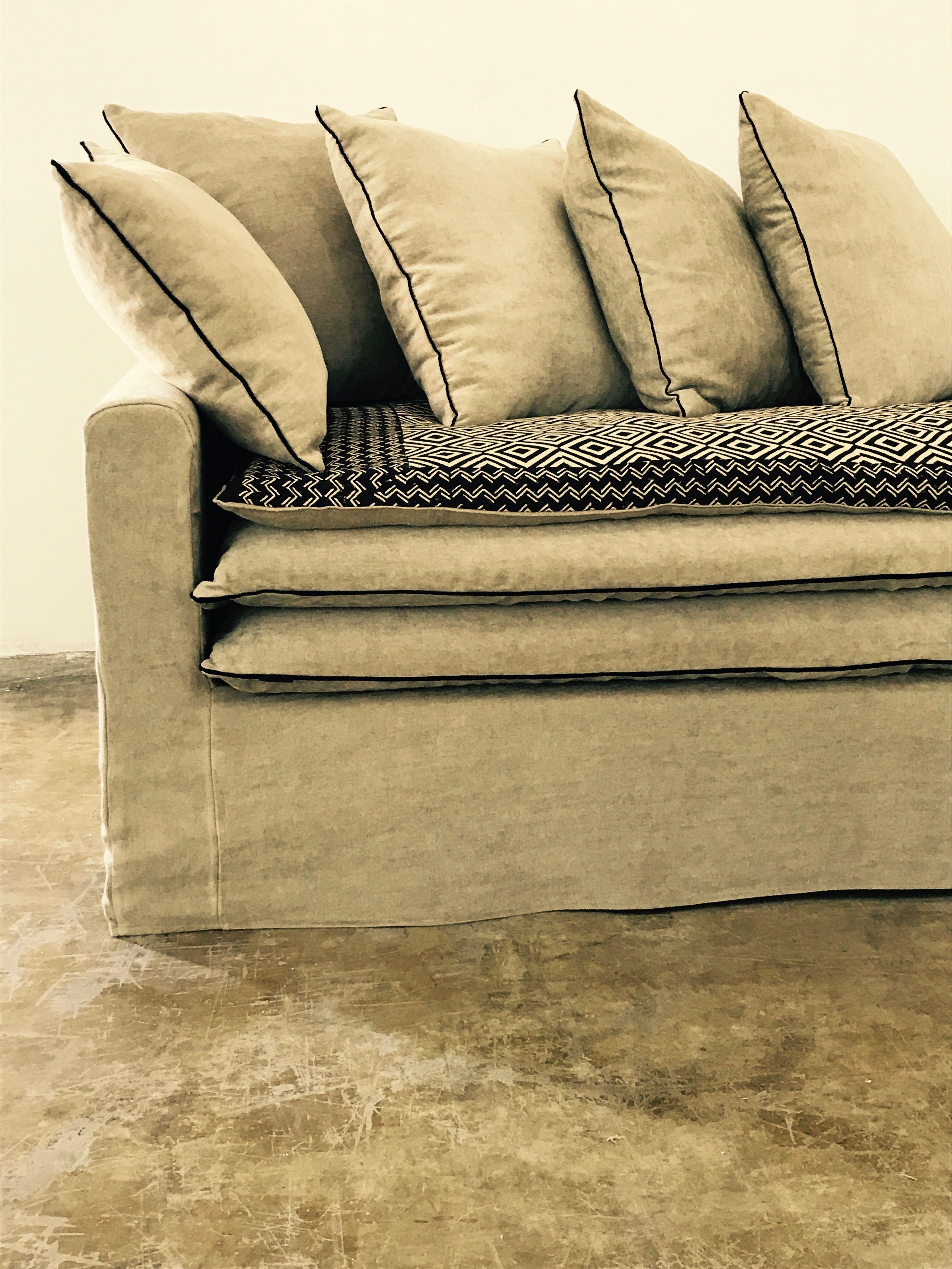Canap sur mesure boheme en lin lav beige et son sofa for Canape sur mesure