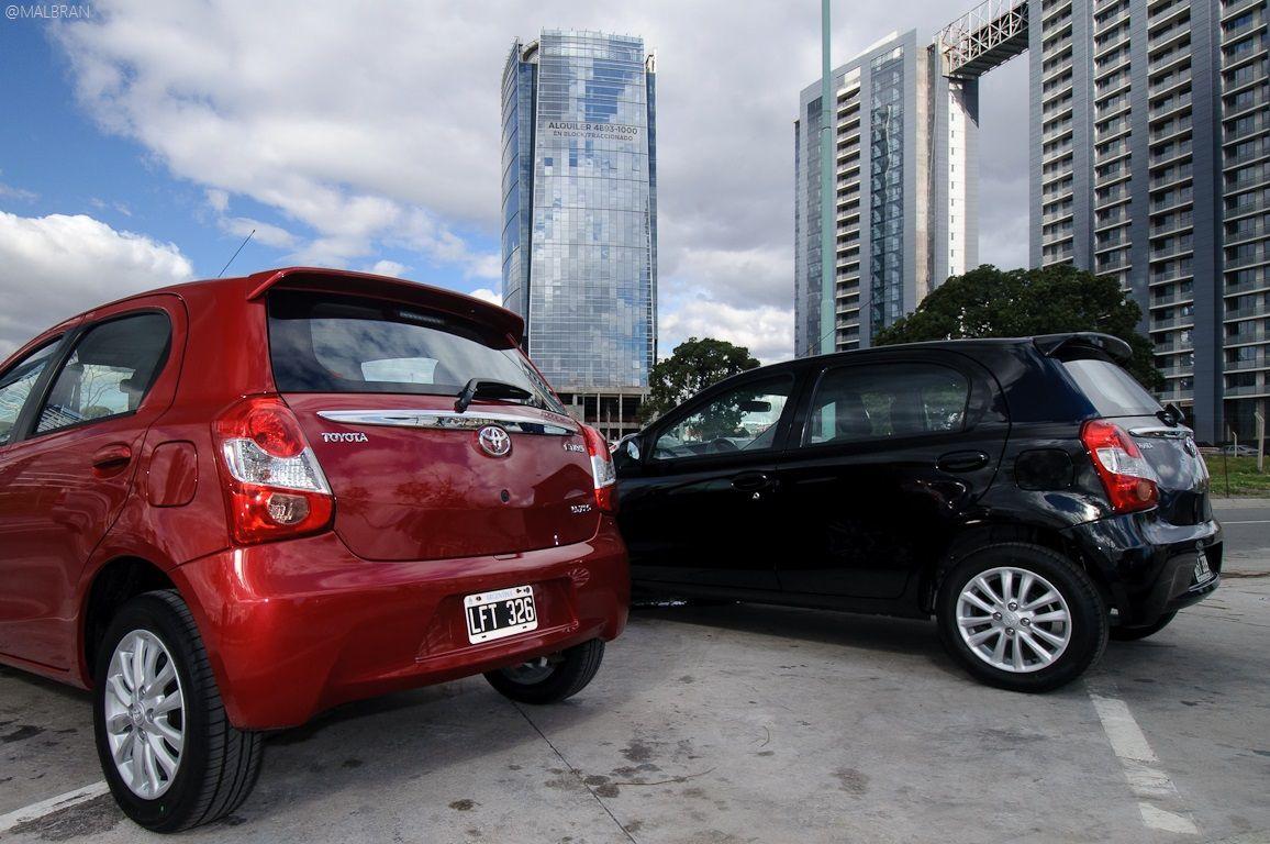 Toyota Etios Hatchback XLS 1.5 XLS (90cv) Modelos