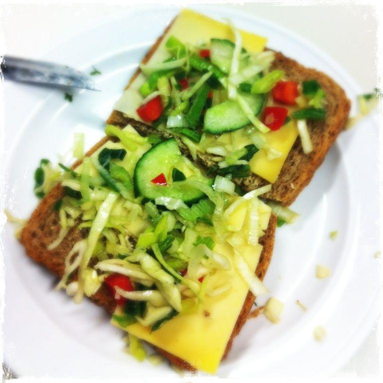 Dag22 groente. Heerlijk rauwkost op boterham kaas