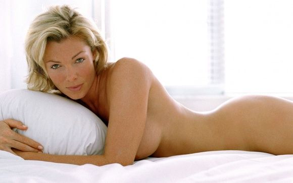 Nell McAndrew Hot HD and Widescreen Wallpaper #2 | WOW HD Wallpapers