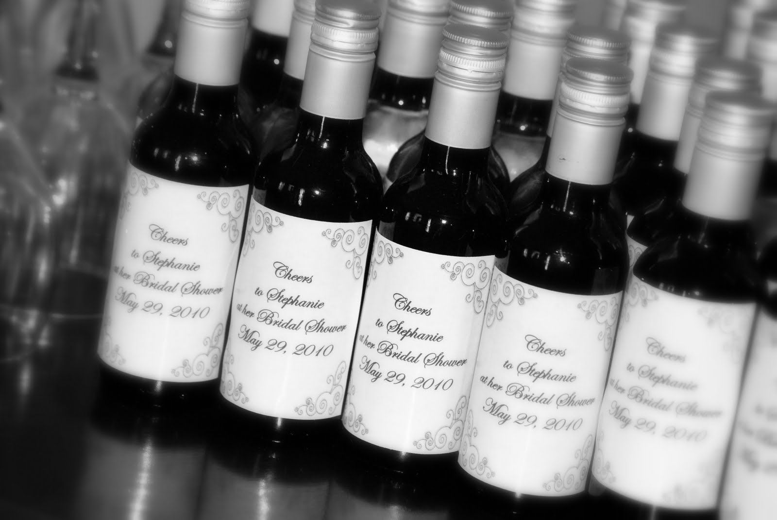 Old Fashioned Wine Bottles Wedding Favors Inspiration - The Wedding ...