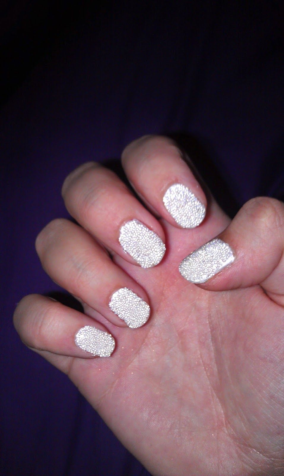 Vanessary: White caviar nails - DIY - Kelly Brook