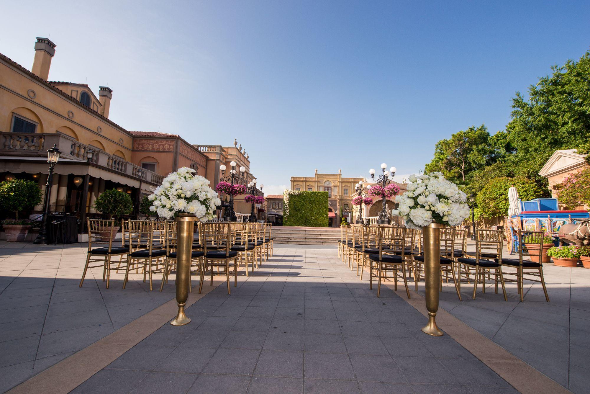 Italy Courtyard | Disney Wedding | Epcot Wedding | Florida ...
