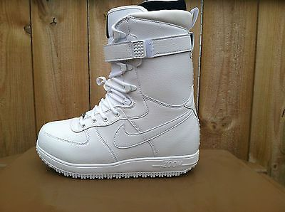 NEW MENS NIKE ZOOM FORCE 1 WHITE-OUT EDITION SNOWBOARDING BOOTS-VARIOUS  SIZES a6e8036b7