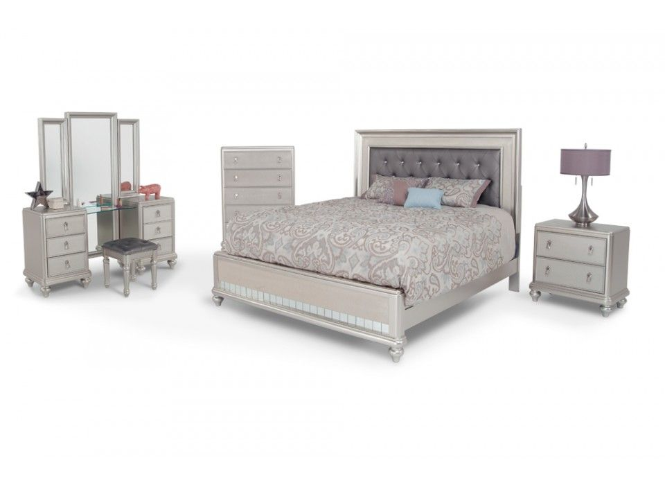 Transitional King Bedroom Set With Vanity Dresser Stool Diva Bedroom Bedroom Sets Queen Diva Bedroom Set