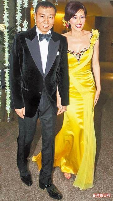孟廣美(右)前年在台北舉辦訂婚宴,媒體大陣仗讓吉增和非常不習慣。