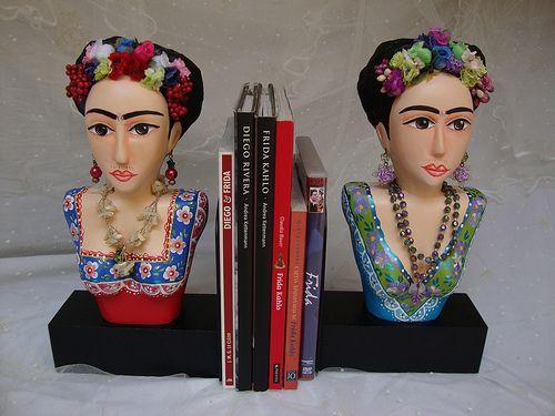 Aparador de livros da Frida