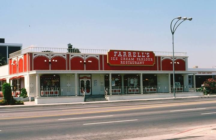 Farrells Ice Cream Parlour Van Nuys Blvd Van Nuys Growing Up