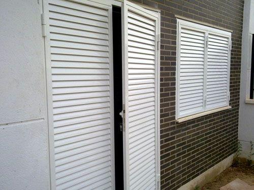 Mallorquinas de seguridad para puertas persianas en 2019 for Ventanas de aluminio con persianas precios