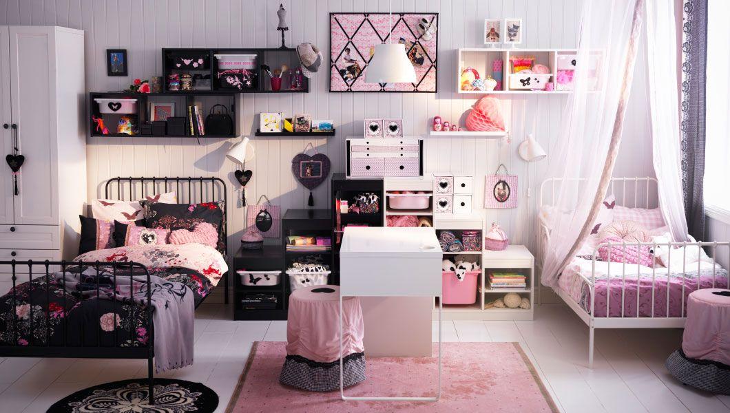 Camere Bianche Ikea : Cameretta ikea con letti gemelli e mensole nere e bianche