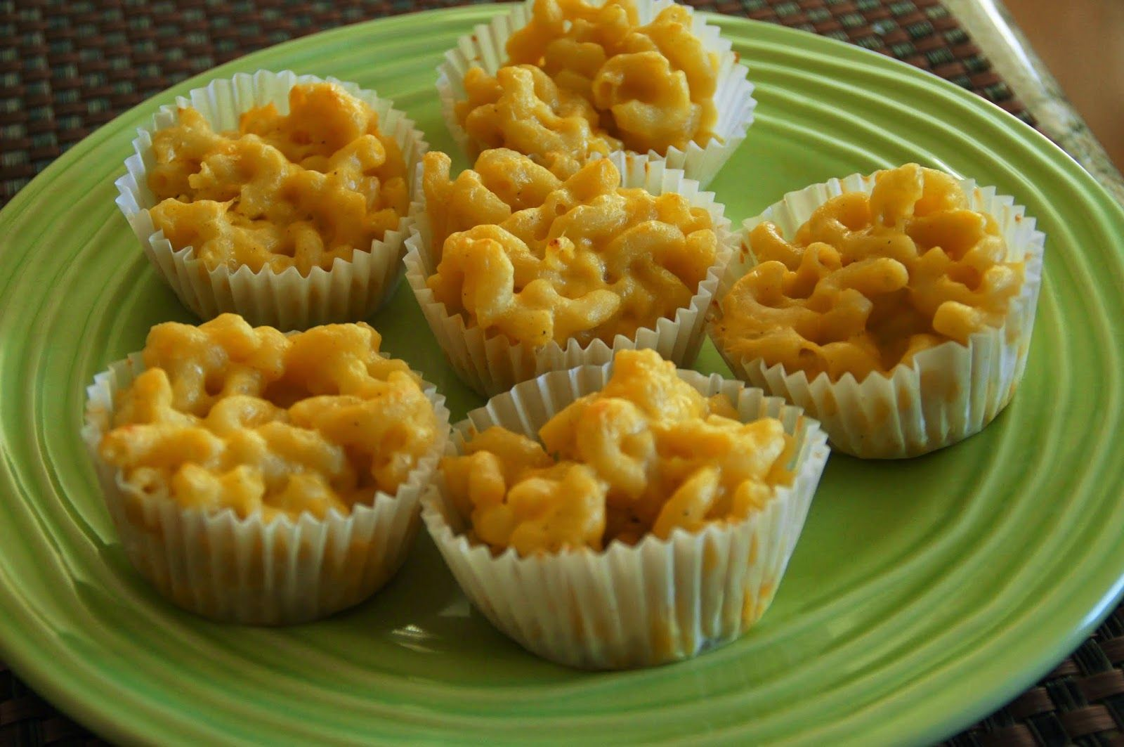Little Bit of Everything: Macaroni and Cheese Muffins - SRC
