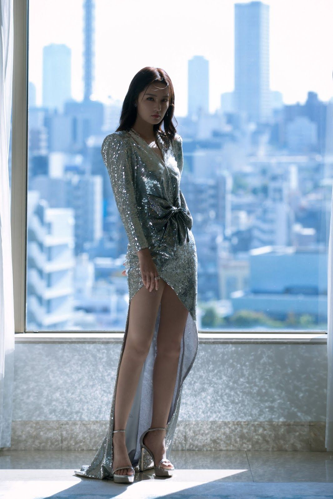 China Entertainment News: Ni Ni poses for photo shoot