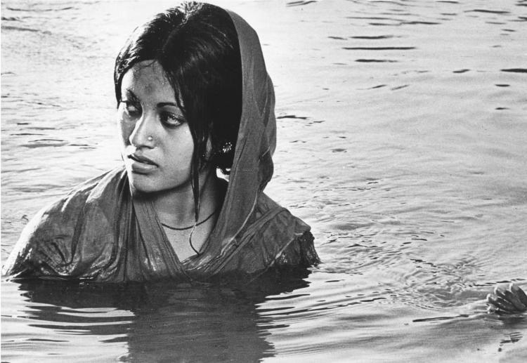 West Indies  Satyajit Ray, Ray Film, Old Movies-3760
