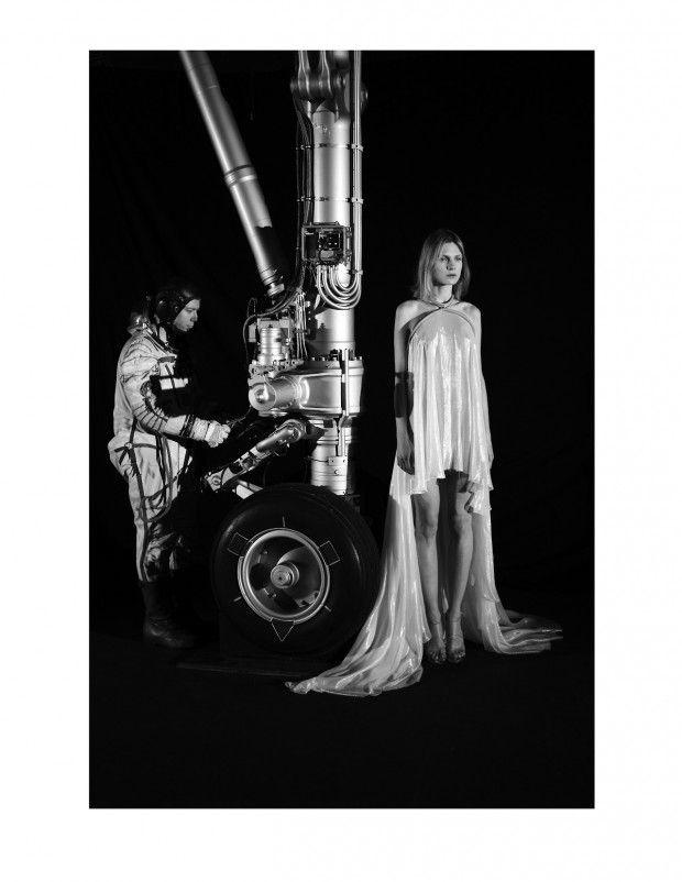 awesome CR Fashion Book # 2 | Editorial Primavera 2013 | Maria por Mathieu César