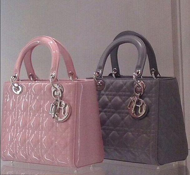 6ea20cc2ab497 Lady Dior للبيع حقيبة يد نسائية من الجلد الطبيعى ماركة تناسبك فى الخروج  اليومى ومتوفر منها