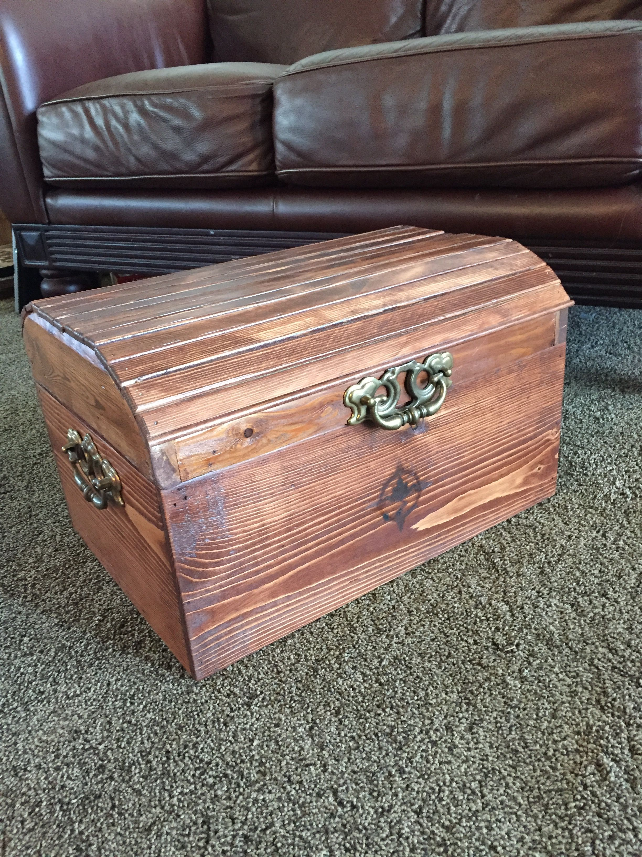 Treasure Chest for Girls' Camp Pallet building