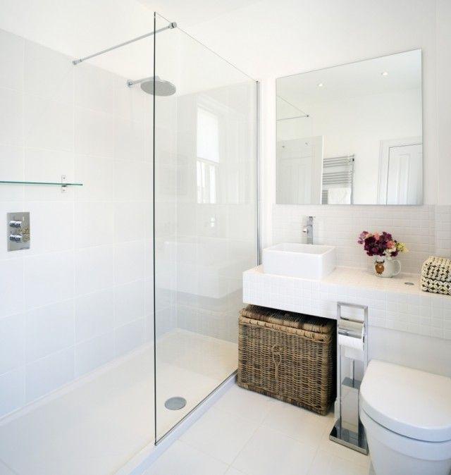 5 formas económicas para reformar tu casa | Baños blancos ...