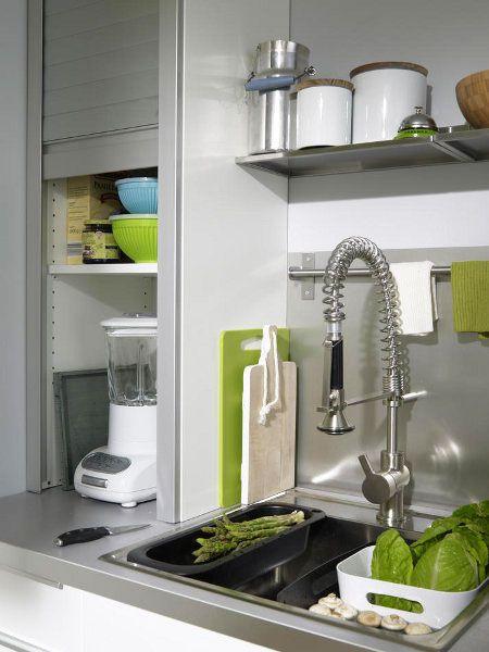 Rolladenschrank mit integrierter Steckdose, um Elektrogeräte - küchenzeile mit elektrogeräten ikea