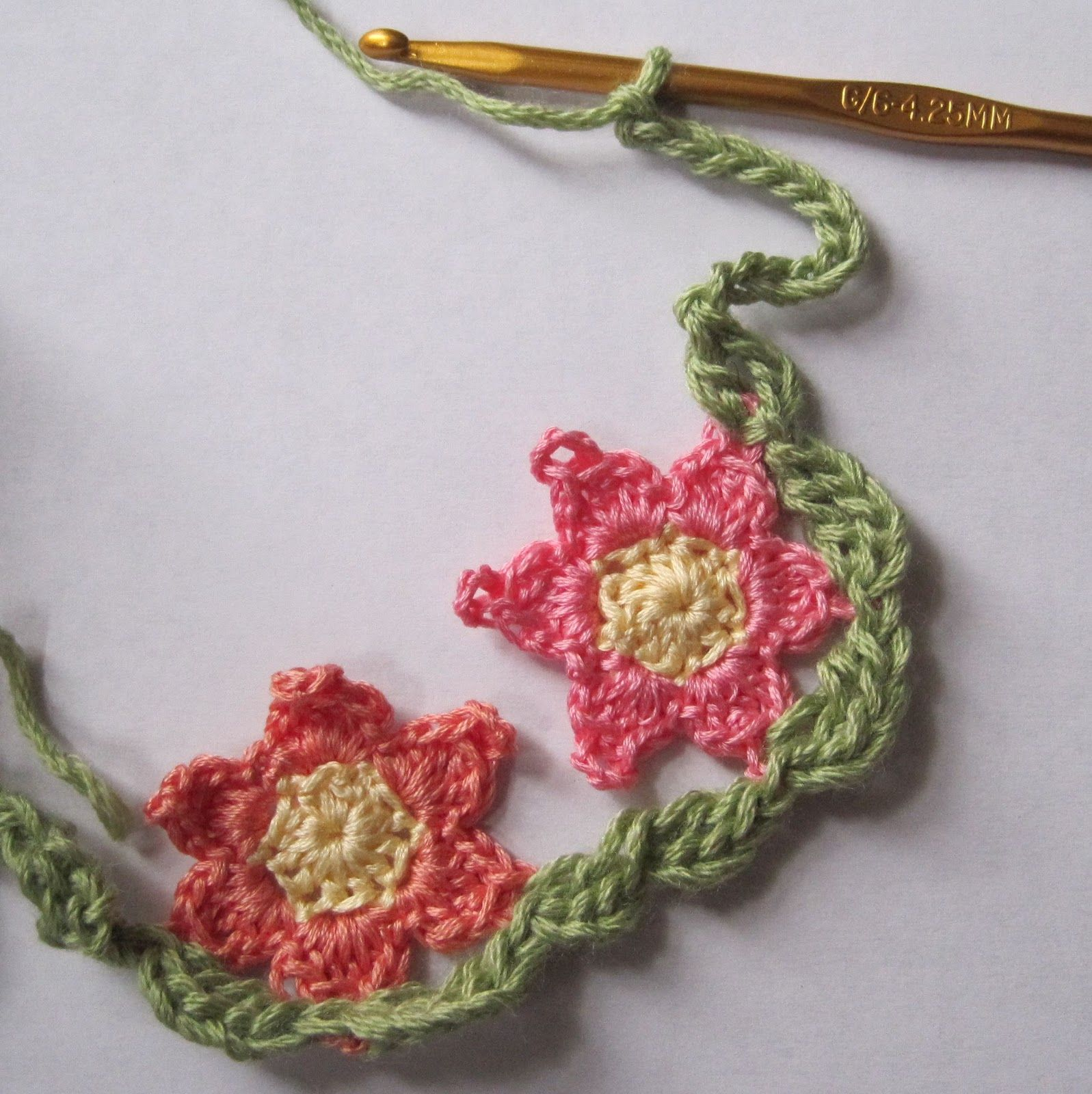 Mr. Micawber's Recipe for Happiness: Primrose Path Scarf, Step 2: Leaves
