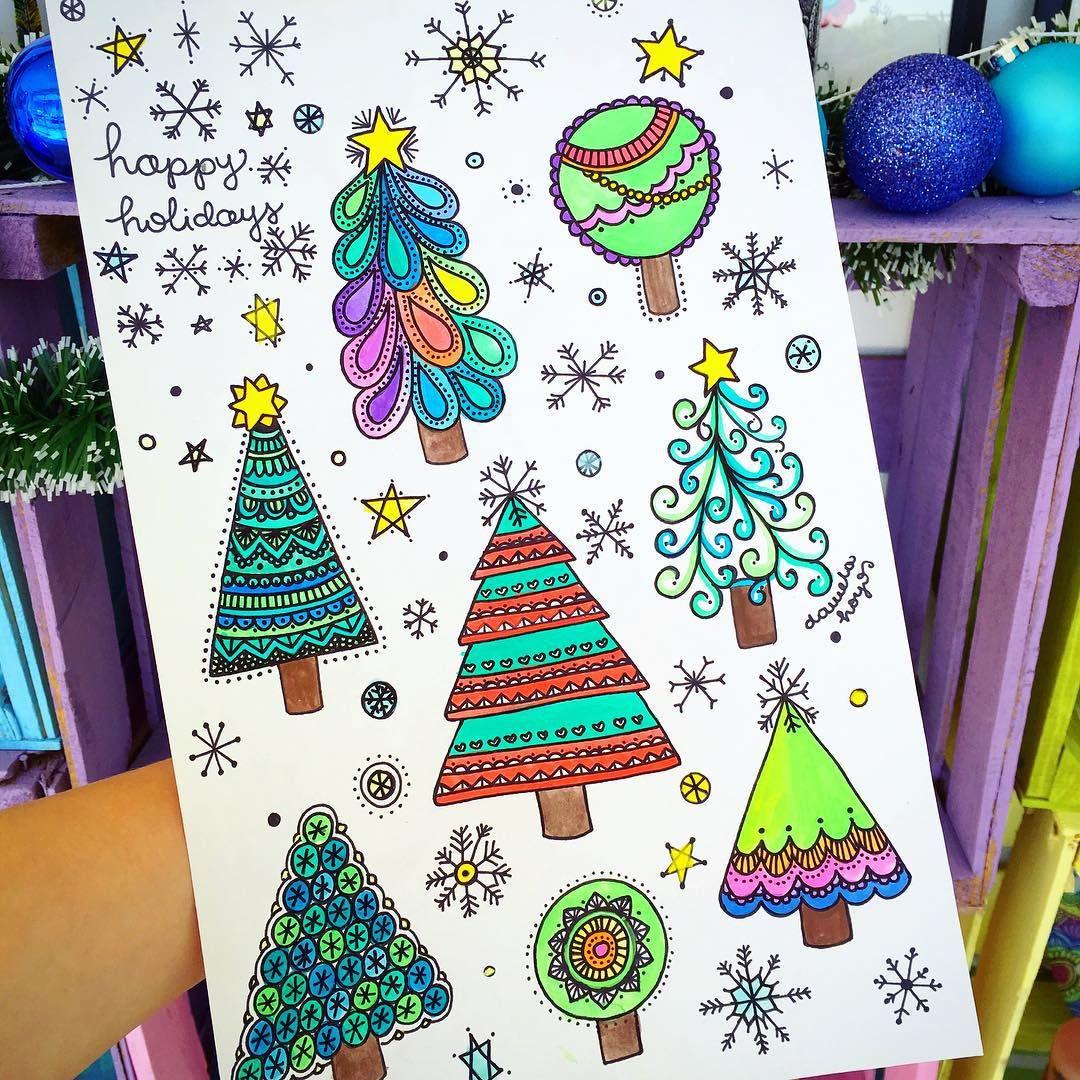 Amo hacer dibujos navideños! Coméntenme un  si quieren que haga un video enseñándoles a dibujar arbolitos ❤️
