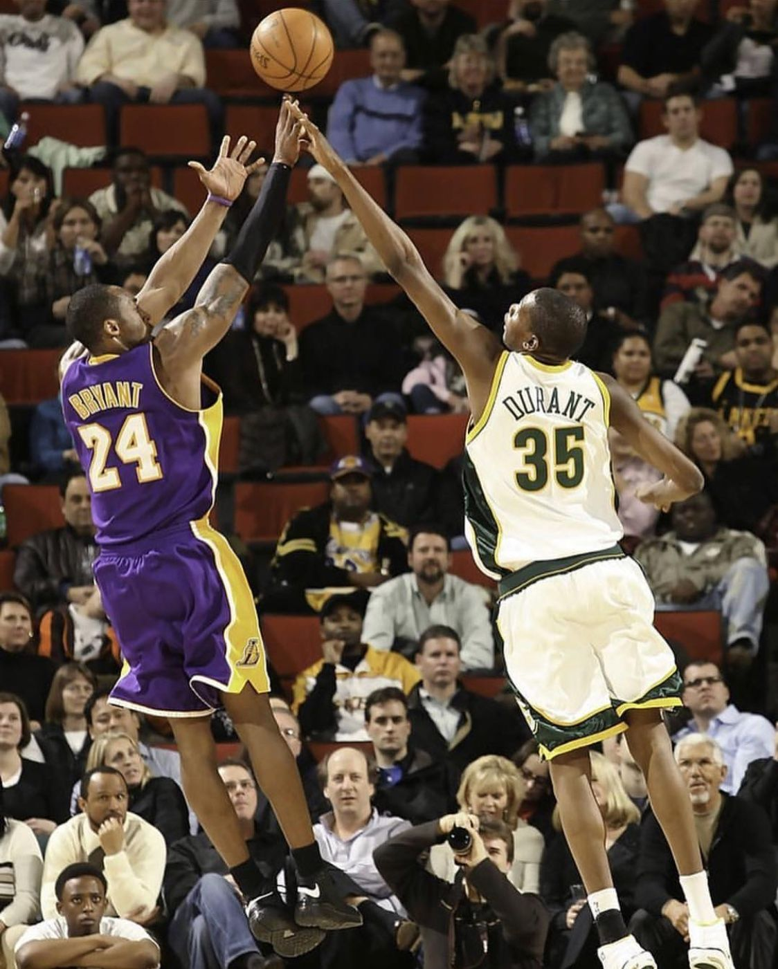 b43d6a3e5713 ... Los Angeles Lakers v Seattle SuperSonics. Kobe Bryant pulling up on  rookie Kevin Durant and the former Seattle SuperSonics