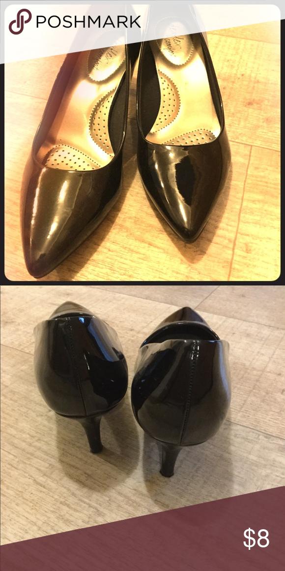 dexflex comfort black kitten heel pumps