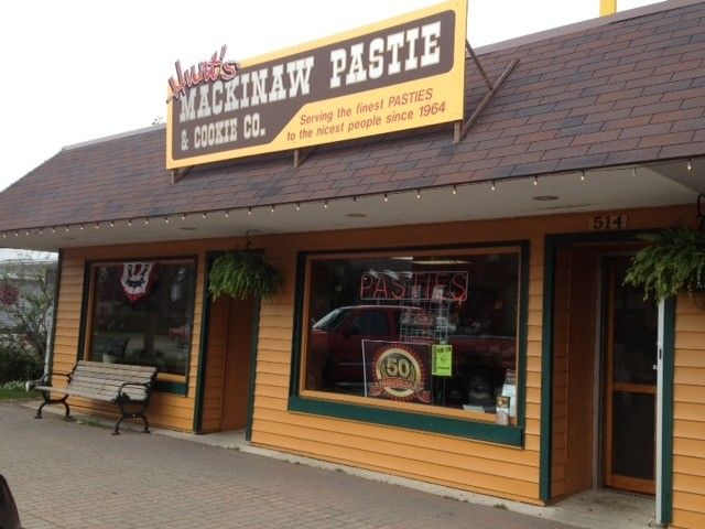 Pretty Awesome Pasties Hunt S Mackinaw Pasty Shop Mackinaw City Awesome Mitten Mackinaw Mackinaw City Pasty Shop