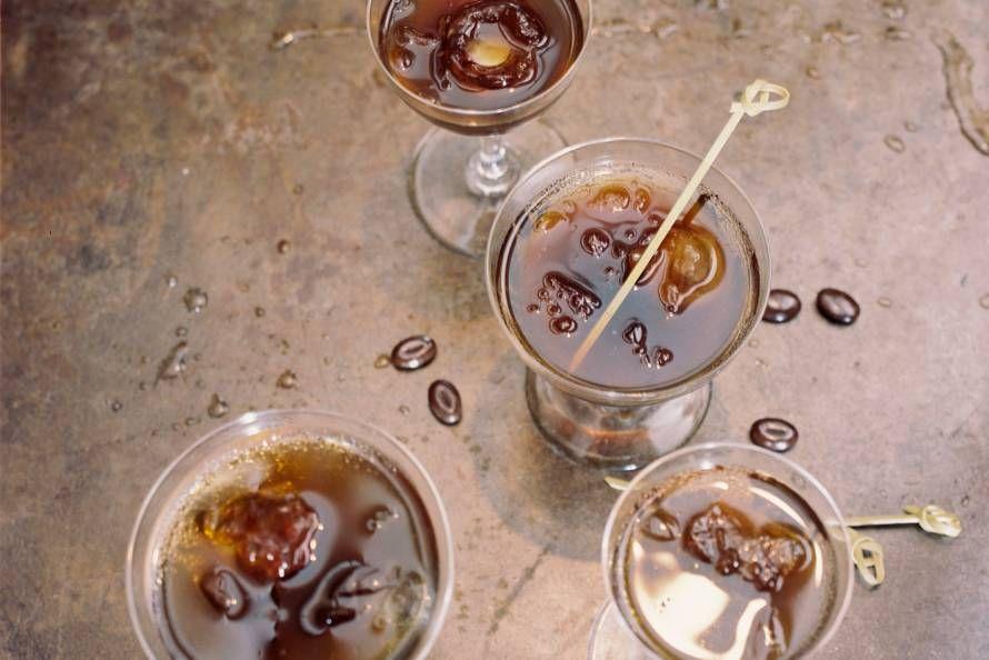Feestelijk drankje om met familie of vrienden mee te proosten - Recept - Allerhande
