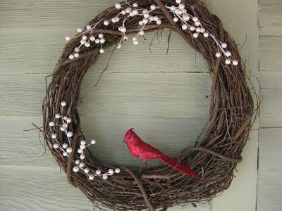 http://www.megacrafty.com/2010/02/winter-wreath-ta-da.html