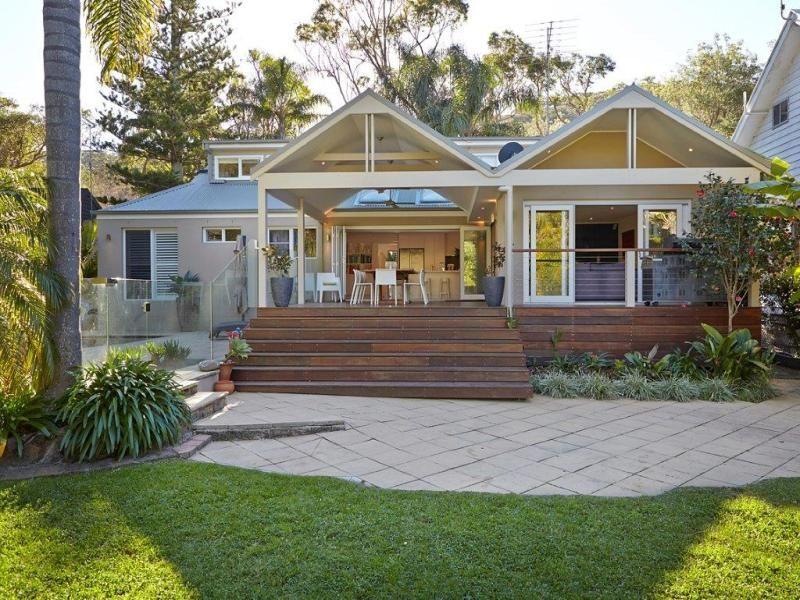 Avalon Beach House In Black And White Desire Empire