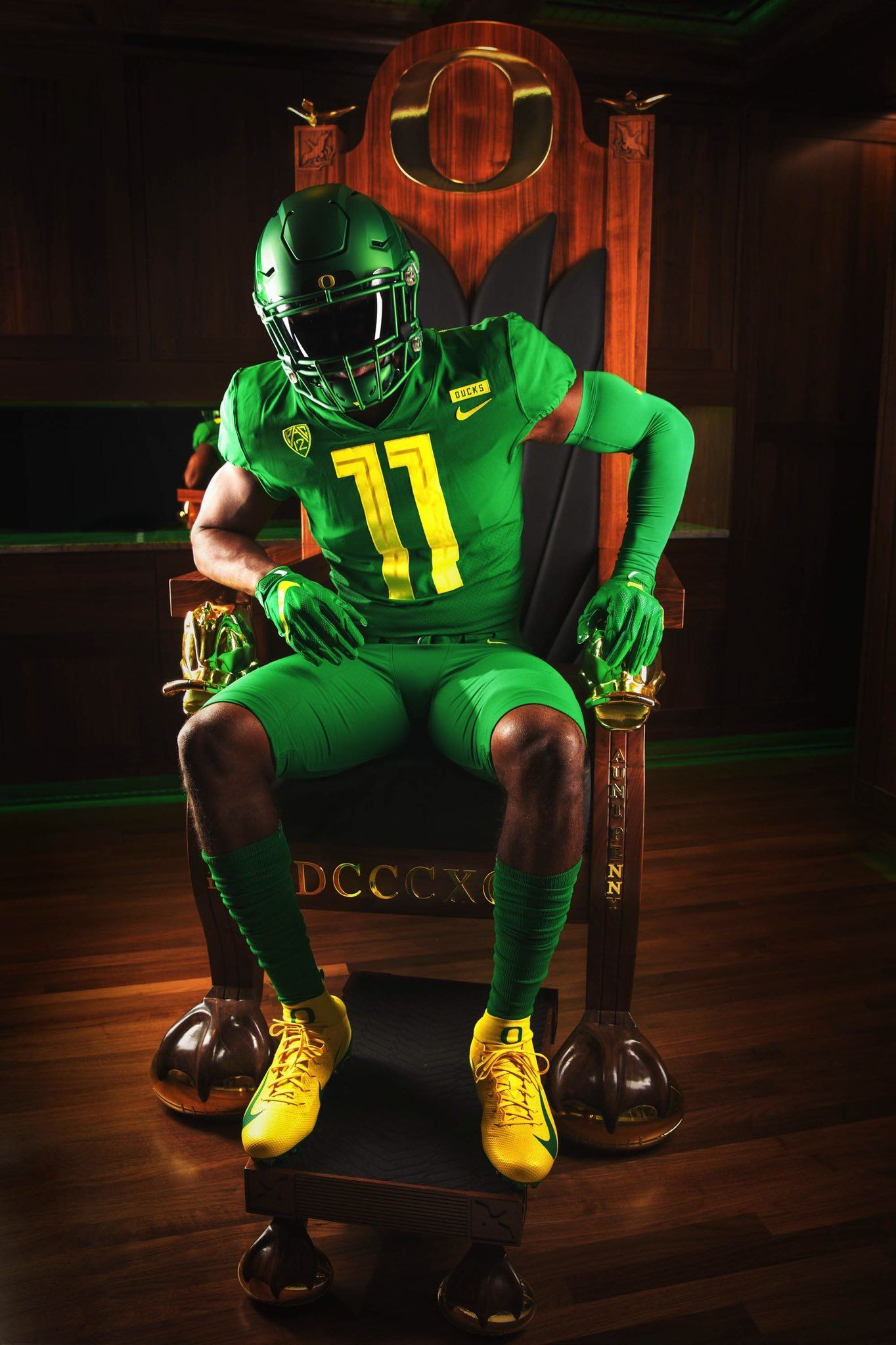 Pin By Chase Billings On Oregon Ducks College Football Uniforms Ducks Football Oregon Football
